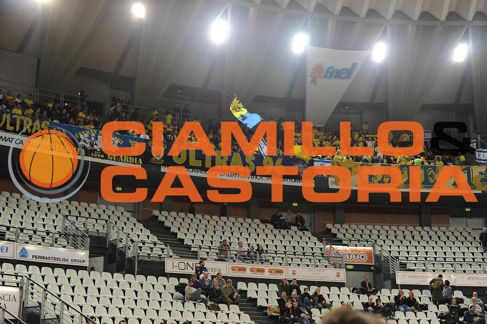 DESCRIZIONE : Roma Eurolega 2010-11 Top 16 Lottomatica Virtus Roma Maccabi Elettra Tel Aviv<br /> GIOCATORE : Tifosi Maccabi<br /> SQUADRA : Euroleague<br /> EVENTO : Eurolega 2010-2011<br /> GARA : Lottomatica Virtus Roma Maccabi Elettra Tel Aviv<br /> DATA : 03/03/2011<br /> CATEGORIA : Supporter<br /> SPORT : Pallacanestro <br /> AUTORE : Agenzia Ciamillo-Castoria/GiulioCiamillo<br /> Galleria : Eurolega 2010-2011<br /> Fotonotizia : Roma Eurolega 2010-11 Top 16 Lottomatica Virtus Roma Maccabi Elettra Tel Aviv<br /> Predefinita :