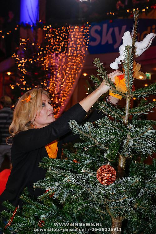 NLD/Hilversum/20121207 - Skyradio Christmas Tree, Natasja Froger - Kunst