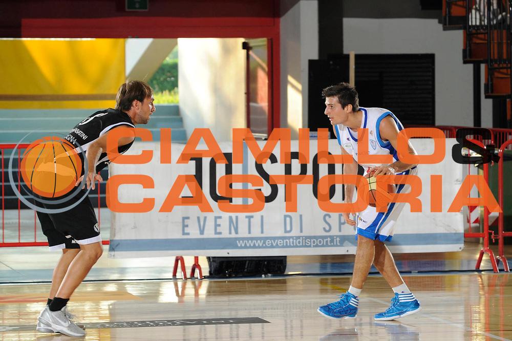 DESCRIZIONE : Caorle Lega A 2011-2012 Torneo Citta di Caorle Precampionato Bennet Cantu Canadian Solar Bologna<br /> GIOCATORE : Andrea Cinciarini<br /> CATEGORIA : palleggio<br /> SQUADRA : Bennet Cantu<br /> EVENTO : Campionato Lega A 2011-2012<br /> GARA : Bennet Cantu Canadian Solar Bologna<br /> DATA : 17/09/2011<br /> SPORT : Pallacanestro<br /> AUTORE : Agenzia Ciamillo-Castoria/C.De Massis<br /> GALLERIA : Lega Basket A 2011-2012<br /> FOTONOTIZIA : Caorle Lega A 2011-2012 Torneo Citta di Caorle Precampionato Bennet Cantu Canadian Solar Bologna <br /> PREDEFINITA :