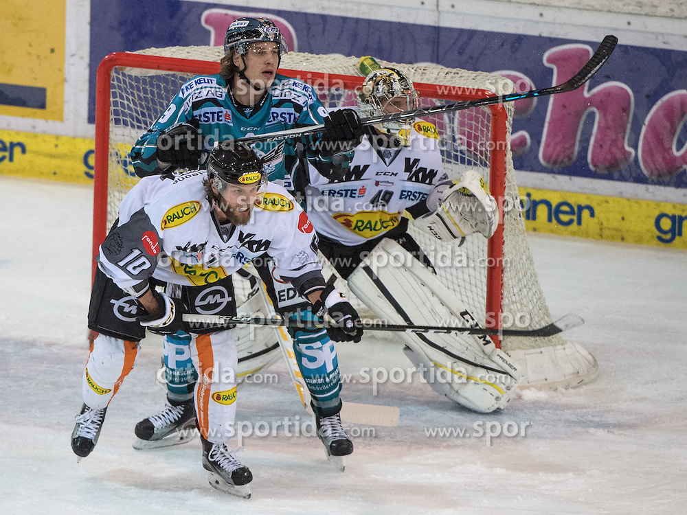 01.12.2016, Keine Sorgen Eisarena, Linz, AUT, EBEL, EHC Liwest Black Wings Linz vs Dornbirner Eishockey Club, 25. Runde, im Bild Brian Lebler (EHC Liwest Black Wings Linz) vor Florian Hardy (Dornbirner Eishockey Club) // during the Erste Bank Icehockey League 25th round match between EHC Liwest Black Wings Linz and Dornbirner Eishockey Club at the Keine Sorgen Icearena, Linz, Austria on 2016/12/01. EXPA Pictures © 2016, PhotoCredit: EXPA/ Reinhard Eisenbauer