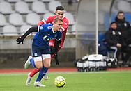 FODBOLD: Markus Bay (Fremad Amager) rykker fra Pascal Gregor (FC Helsingør) under træningskampen mellem Fremad Amager og FC Helsingør den 2. februar 2019 i Sundby Idrætspark. Foto: Claus Birch