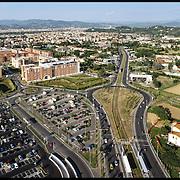 La tramvia di Firenze, denominata anche linea T1, è una linea metrotranviaria che collega Firenze con Scandicci.....Fotografie aeree a bassa quota di diverse parti della città realizzate da un pallone aerostatico che ha sorvolato sul cielo di Firenze con appesa una macchina fotografica.