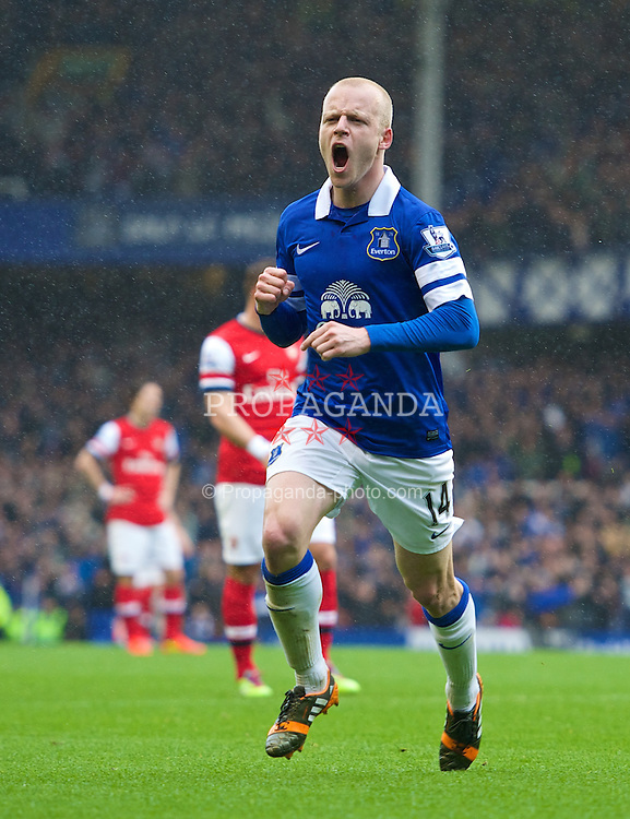 LIVERPOOL, ENGLAND - Sunday, April 6, 2014: Everton's Steven Naismith celebrates scoring the opening goal against Arsenal during the Premiership match at Goodison Park. (Pic by Chris Brunskill/Propaganda)