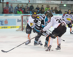 07.02.2016, Keine Sorgen Eisarena, Linz, AUT, EBEL, EHC Liwest Black Wings Linz vs Dornbirner Eishockey Club, Platzierungsrunde,im Bild Dan DaSilva (EHC Liwest Black Wings Linz) mit hohem Stock gegen Matt Siddall (Dornbirner Eishockey Club) nach Crosscheck von Drew MacKenzie (Dornbirner Eishockey Club) // during the Erste Bank Icehockey League 51th round match - placement round between EHC Liwest Black Wings Linz and Dornbirner Eishockey Club at the Keine Sorgen Icearena, Linz, Austria on 2016/02/07. EXPA Pictures © 2016, PhotoCredit: EXPA/ Reinhard Eisenbauer