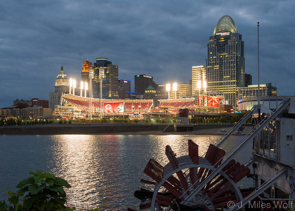 Cincinnati Skyline at night with Reds Stadium and Riverboat