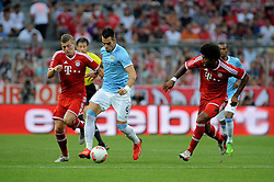 01.08.2013, Allianz Arena, Muenchen, Audi Cup 2013, FC Bayern Muenchen vs Manchester City, im Bild, Alvaro NEGREDO (Manchester City) gegen Toni KROOS (FC Bayern Muenchen) und rechts DANTE (FC Bayern Muenchen) // during the Audi Cup 2013 match between FC Bayern Muenchen and Manchester City at the Allianz Arena, Munich, Germany on 2013/08/01. EXPA Pictures © 2013, PhotoCredit: EXPA/ Eibner/ Wolfgang Stuetzle<br /> <br /> ***** ATTENTION - OUT OF GER *****