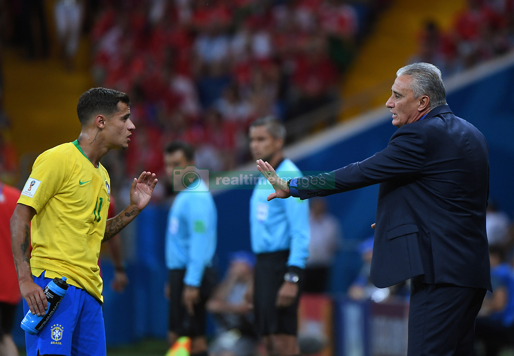 ROSTOV-ON-DON, June 17, 2018  Brazil's head coach Tite (R) talks with Philippe Coutinho during a group E match between Brazil and Switzerland at the 2018 FIFA World Cup in Rostov-on-Don, Russia, June 17, 2018. (Credit Image: © Li Ga/Xinhua via ZUMA Wire)