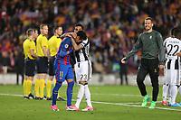 19.04.2017 - Barcellona  -  Quarti di finale  Champions League, Barcellona-Juventus , Nella foto:  la disperazione di Neymar consolato da Daniel Alves