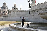 opulizia fontane vittoriano roma