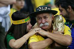 08.07.2014, Mineirao, Belo Horizonte, BRA, FIFA WM, Brasilien vs Deutschland, Halbfinale, im Bild Trauer bei Brasilien nach der hohen Niederlage. // during Semi Final match between Brasil and Germany of the FIFA Worldcup Brazil 2014 at the Mineirao in Belo Horizonte, Brazil on 2014/07/08. EXPA Pictures © 2014, PhotoCredit: EXPA/ Eibner-Pressefoto/ CEZARO<br /> <br /> *****ATTENTION - OUT of GER*****