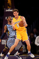 06 November 2009: Forward Luke Walton of the Los Angeles Lakers receives a pass and prepares to shoot while being guarded by OJ Mayo of the Memphis Grizzles during the first half of the Lakers 114-98 victory over the Grizzles at the STAPLES Center in Los Angeles, CA.