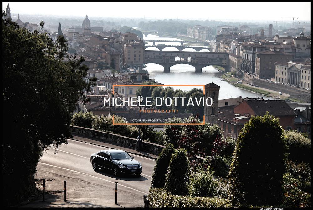 Il fiume Arno nel tratto del centro storico di Firenze,  il Ponte Vecchio.....