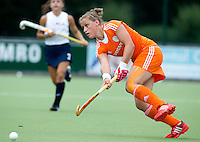 EINDHOVEN - Lieke van Wijk zaterdag bij de oefenwedstrijd tussen het Nederlands team van Jong Oranje Dames en dat van de Vernigde Staten. Volgende week gaat het WK-21 in Duitsland van start. FOTO KOEN SUYK