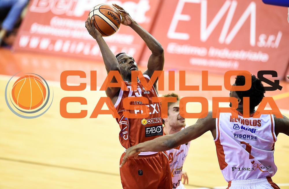 Ronald Moore<br /> Grissin Bon Pallacanestro Reggio Emilia - The Flexx Pistoia Basket<br /> Lega Basket Serie A 2016/2017<br /> Reggio Emilia, 30/04/2017<br /> Foto A.Giberti / Ciamillo - Castoria