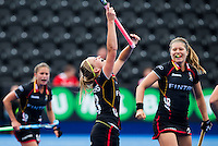 LONDON -  Unibet Eurohockey Championships 2015 in  London.  Poland v Belgium .  Alix Gerniers (m) has scored 0-2 for Belgium and celebrates with  Manon Simons (r)   WSP Copyright  KOEN SUYK