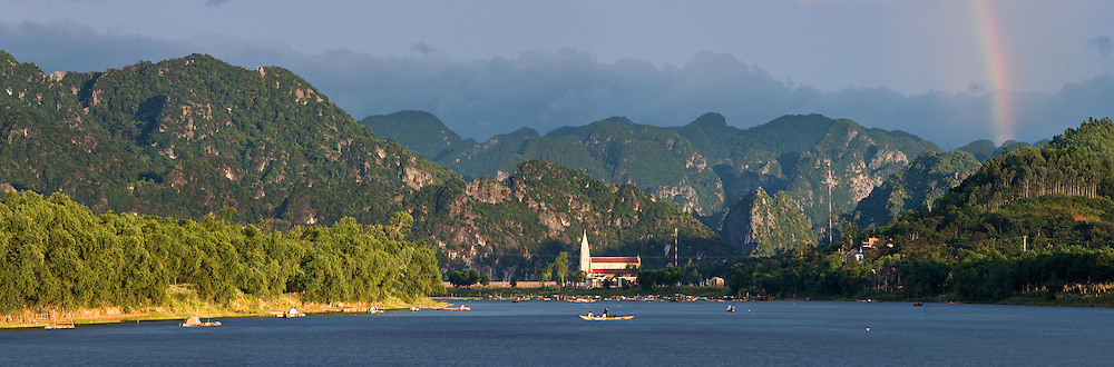 Vietnam Images-panoramic landscape-nature-Quang Binh