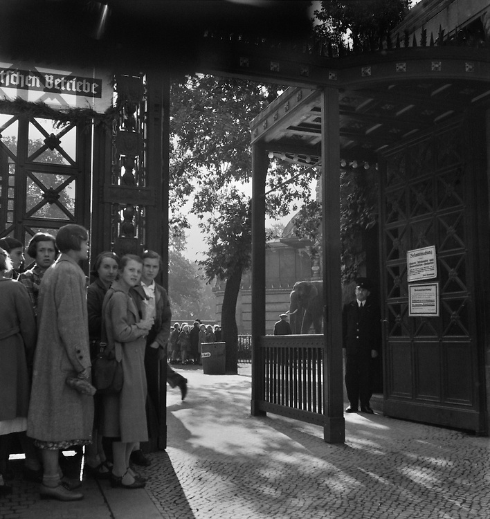Entrance to Zoo, Berlin, c. 1931