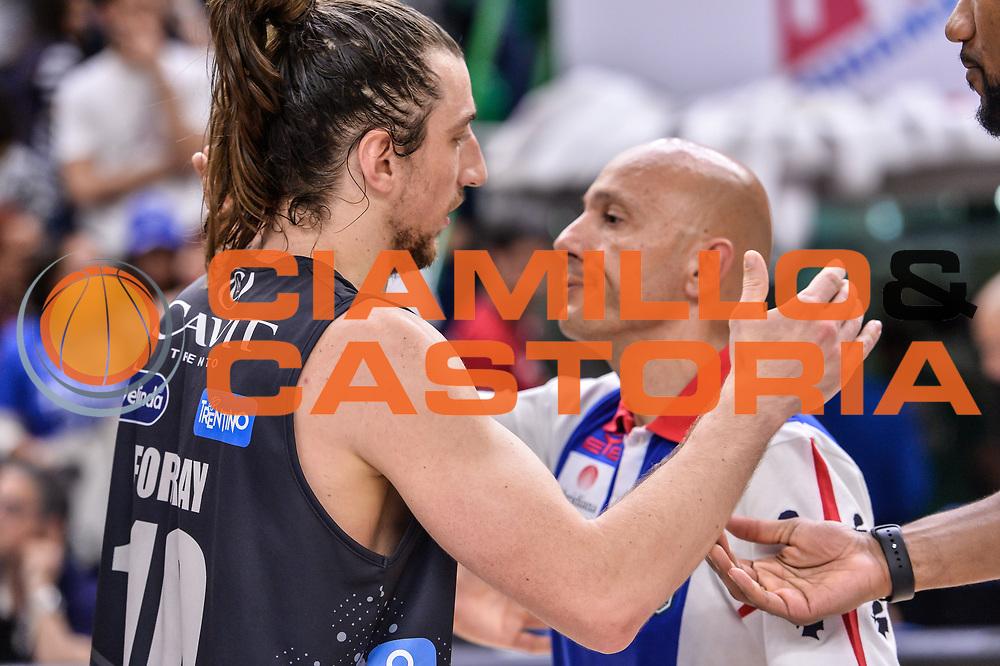 Toto Forray, Stefano Sardara<br /> Banco di Sardegna Dinamo Sassari - Dolomiti Energia Aquila Basket Trento<br /> Legabasket Serie A LBA Poste Mobile 2016/2017<br /> Playoff Quarti Gara3<br /> Sassari 16/05/2017<br /> Foto Ciamillo-Castoria