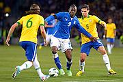 © Filippo Alfero<br /> Italia vs Brasile - amichevole<br /> Ginevra, Svizzera, 21/03/2013<br /> sport calcio<br /> Nella foto: Mario Balotelli e Hernanes
