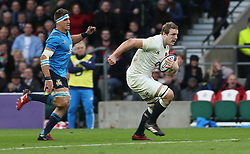 26 February 2017 : 6 Nations Rugby : England v Italy :<br /> man of the match Joe Launchbury runs with the ball.<br /> Photo: Mark Leech