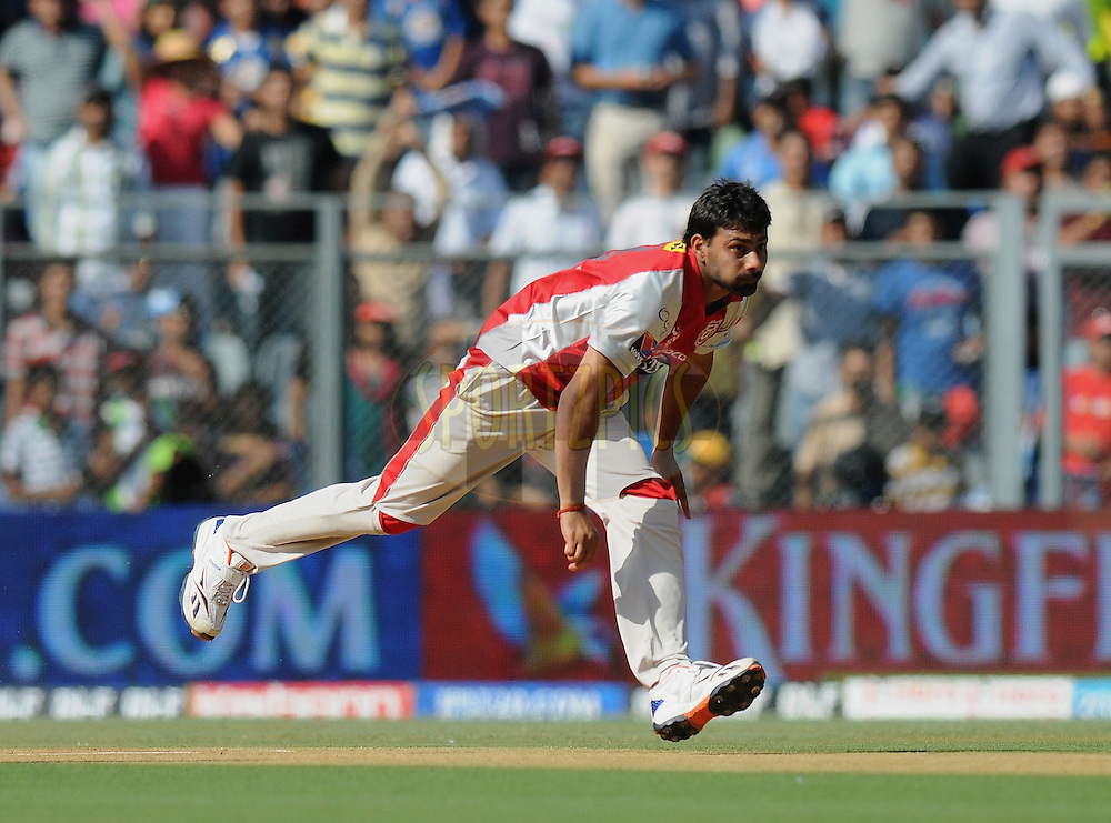 Praveen Kumar of Kings XI Punjab bowls during match 28 of the Indian Premier League ( IPL) 2012  between The Mumbai Indians and the Kings X1 Punjab held at the Wankhede Stadium in Mumbai on the 22nd April 2012..Photo by Pal Pillai/IPL/SPORTZPICS.
