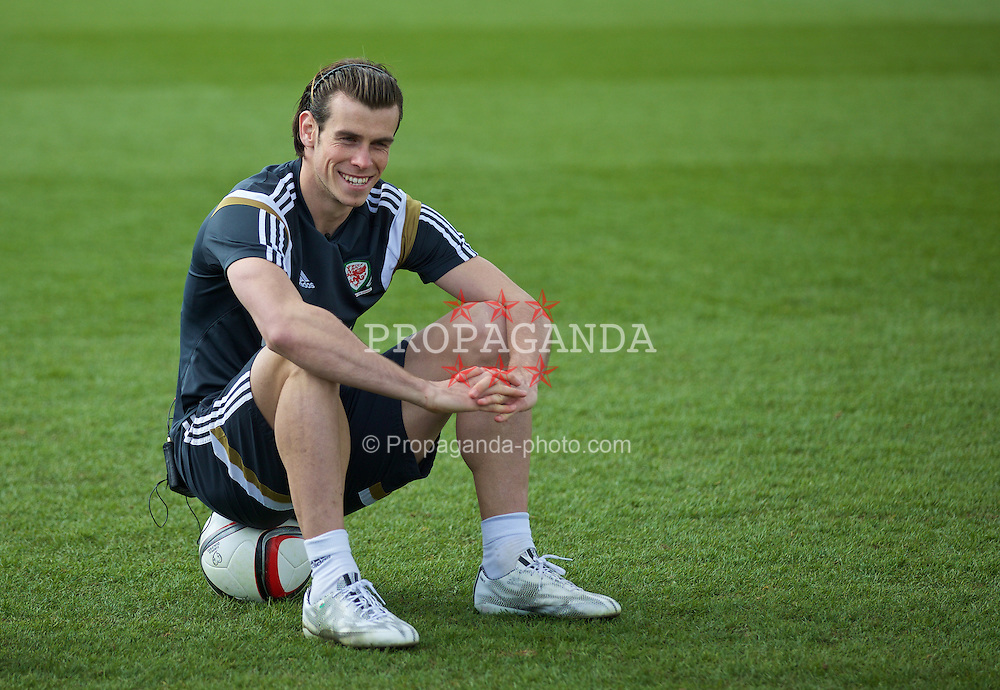 CARDIFF, WALES - Wednesday, March 25, 2015: Wales' Gareth Bale during a training session at the Vale of Glamorgan ahead of the UEFA Euro 2016 qualifying Group B match against Israel. (Pic by David Rawcliffe/Propaganda)
