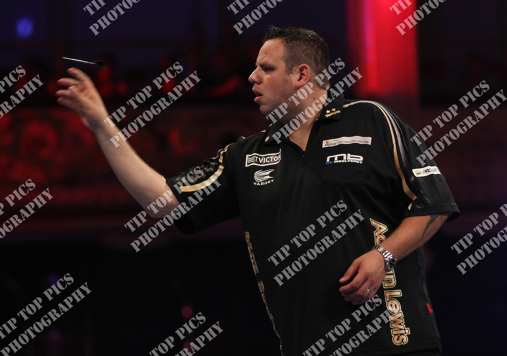 PDC WORLD MATCHPLAY 2014,ADRIAN LEWIS<br /> PIC CHRIS SARGEANT,<br /> TIPTOPPICS