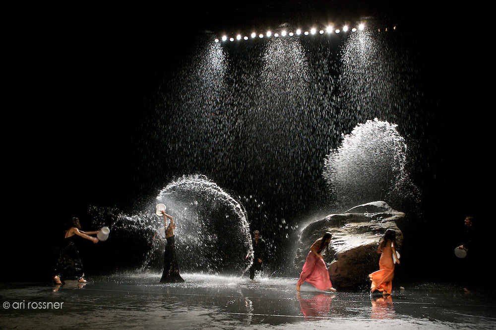 First representation of the company in Paris after Pina Bausch's death<br>Silvia Farias Heredia, Ditta Miranda Jasjfi, Helena Pikon, Julie Anne Stanzak