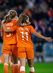 05-04-2019 NED: Netherlands - Mexico, Arnhem<br /> Friendly match in GelreDome Arnhem. Netherlands win 2-0 / Vivianne Miedema #9 of The Netherlands scores 1-0, Lieke Martens #11 of The Netherlands