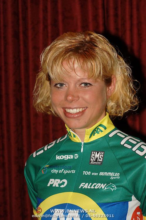 NLD/Alphen aan de Rijn/20060308 - Presentatie nieuwe wielerploeg Leontien van Moorsel, AA Drink Cycling team, Theresa Senff