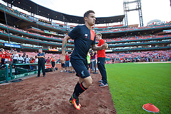 ST. LOUIS, USA - Monday, August 1, 2016: Liverpool's Philippe Coutinho Correia runs out for a warm-up before a pre-season friendly game against AS Roma on day twelve of the club's USA Pre-season Tour at the Busch Stadium. (Pic by David Rawcliffe/Propaganda)