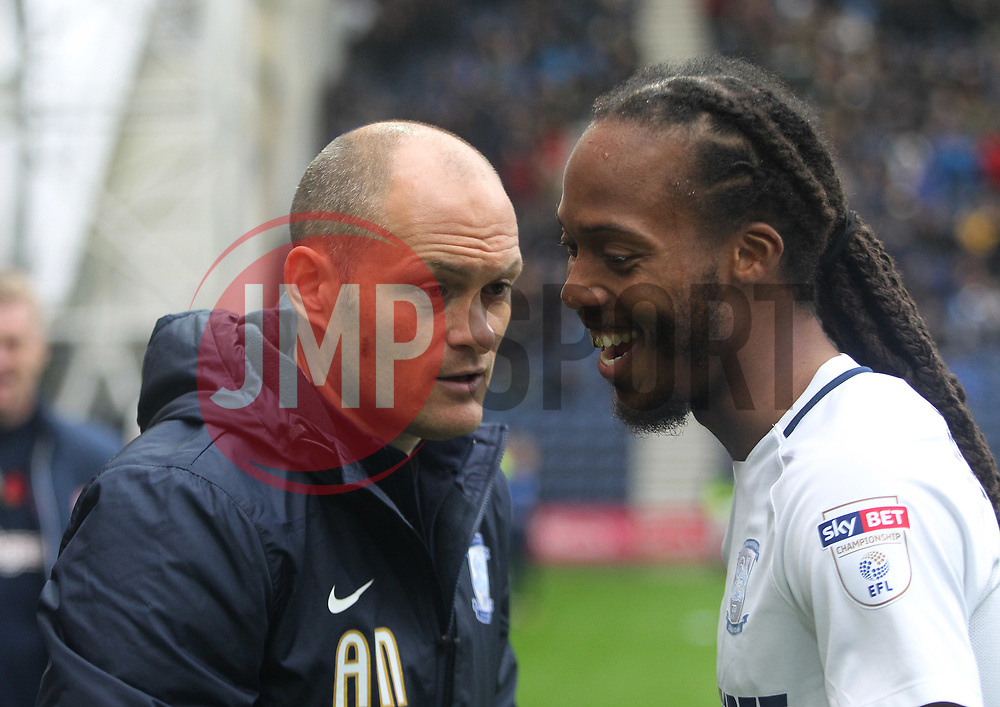 Preston North End manager Alex Neil (L) talks with Daniel Johnson  - Mandatory by-line: Jack Phillips/JMP - 28/10/2017 - FOOTBALL - Deepdale - Preston, England - Preston North End v Brentford - Football League Championship