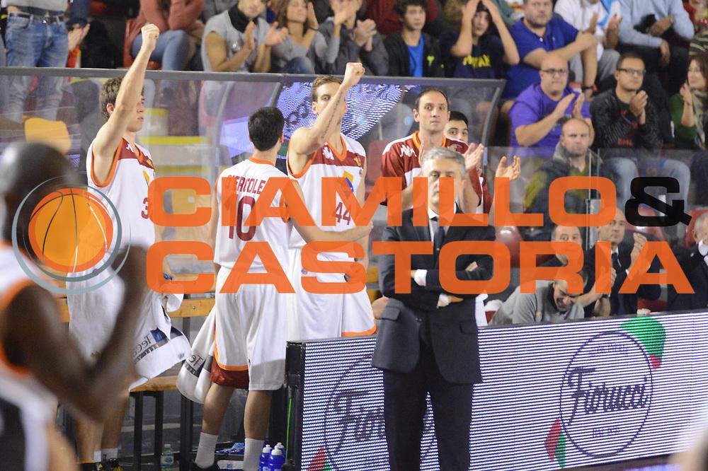 DESCRIZIONE : Roma Lega A 2012-13 Acea Roma Juve Caserta<br /> GIOCATORE : team Marco Calvani<br /> CATEGORIA : curiosita esultanza<br /> SQUADRA : Acea Roma<br /> EVENTO : Campionato Lega A 2012-2013 <br /> GARA : Acea Roma Juve Caserta<br /> DATA : 28/10/2012<br /> SPORT : Pallacanestro <br /> AUTORE : Agenzia Ciamillo-Castoria/GiulioCiamillo<br /> Galleria : Lega Basket A 2012-2013  <br /> Fotonotizia : Roma Lega A 2012-13 Acea Roma Juve Caserta<br /> Predefinita :