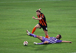 Olexiy Gai (L) is challenged by Pantxi Sirieix.Toulouse v Shakatar Donestk, Uefa Europa League, Stade Municipal, Toulouse, France, 5th November 2009.