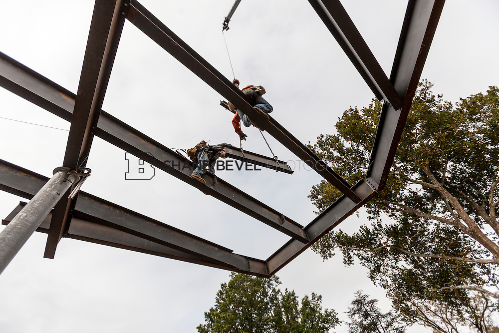 10/7/16 10:02:20 AM -- Steel installation on the Williams Lodge, foundations in the Adventure Playground, Peggy's Pond<br /> <br /> Photo by Shane Bevel