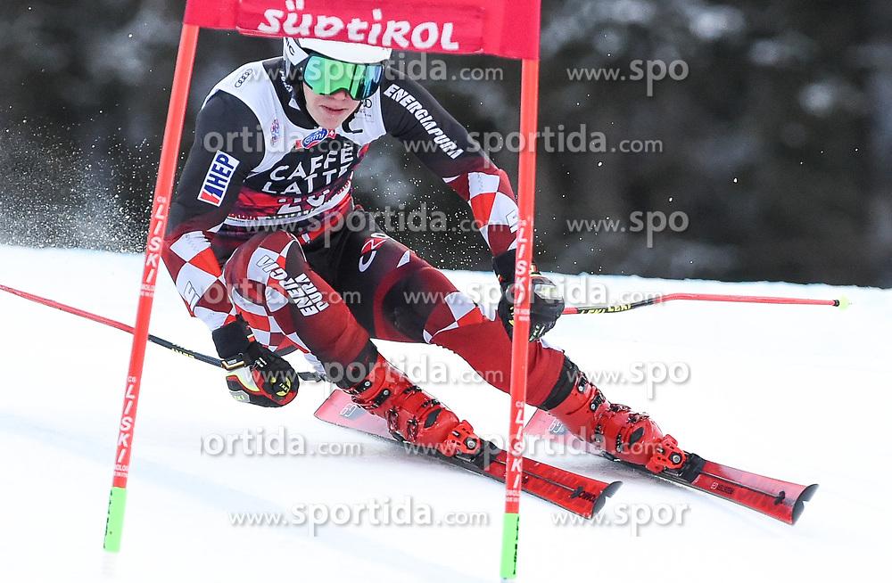 17.12.2017, Grand Risa, La Villa, ITA, FIS Weltcup Ski Alpin, Alta Badia, Riesenslalom, Herren, 1. Lauf, im Bild Filip Zubcic (CRO) // Filip Zubcic of Croatia in action during his 1st run of men's Giant Slalom of FIS ski alpine world cup at the Grand Risa in La Villa, Italy on 2017/12/17. EXPA Pictures © 2017, PhotoCredit: EXPA/ Erich Spiess