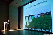 Rendez-vous Hydro-Québec / OAQ 2011 - Conférenciers invités : Glen Klym, architecte, Smith Carter et Tohmas Auer, ingénieur, Transsolar..Centre Canadien d'Architecture.29 mars 2011.Conférenciers invités : Glen Klym, architecte, Smith Carter et Tohmas Auer, ingénieur, Transsolar -  Centre Canadien d'Architecture. / Montreal / Canada / 2011-03-29, Marc Gibert/ adecom.ca