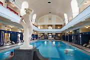 Jugendstilbad Darmstadt, Jugendstil-Hallenbad, Darmstadt, Hessen, Deutschland | art nouveau indoor pool, Darmstadt, Germany