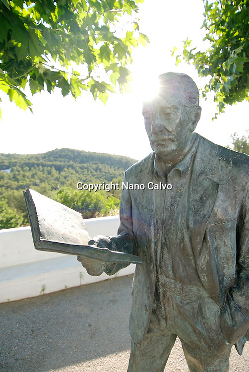 Monument to poet Mari‡ VillangÛmez Llobet, born in Ibiza(1913-2002). The sculpture is located in front of the church of San Miguel de Balansat, Ibiza