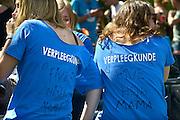 Nederland, Nijmegen, 27-8-2014 Eerstejaars studenten aan de hogeschool Arnhem Nijmegen, HAN, hebben een introductieweek. Onderdeel hiervan is de introductiemarkt. Hier staan o.a. studentenverenigingen, uitzendbureaus, politieke partijen en banken. Veel scholieren kiezen voor een voortgezette studie aan universiteit of hogeschool vanwege de onzekere arbeidsmarkt. verpleegkunde,verpleger,zorg,gezondheidszorgFoto: Flip Franssen/Hollandse Hoogte