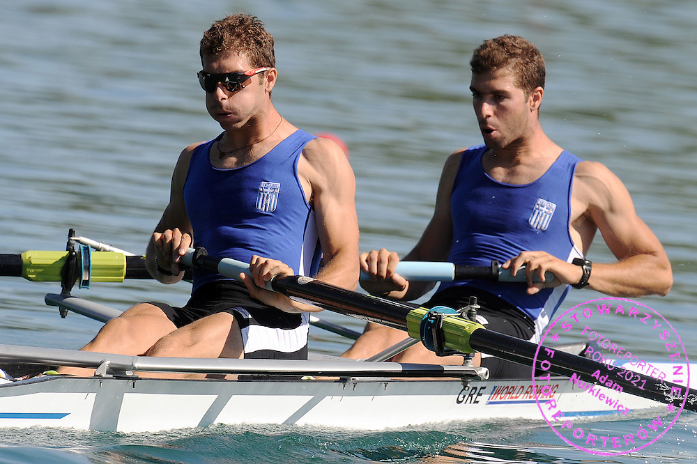 (L) NIKOLAOS GKOUNTOULAS & (R) APOSTOLOS GKOUNTOULAS (BOTH GREECE) COMPETE AT MEN'S PAIR HEAT DURING DAY 1 FISA ROWING WORLD CUP ON ESTANY LAKE IN BANYOLES, SPAIN...BANYOLES , SPAIN , MAY 29, 2009..( PHOTO BY ADAM NURKIEWICZ / MEDIASPORT )..PICTURE ALSO AVAIBLE IN RAW OR TIFF FORMAT ON SPECIAL REQUEST.