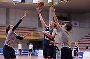 DESCRIZIONE : Torneo di Schio - allenamento  <br /> GIOCATORE : Laura Spreafico<br /> CATEGORIA : nazionale femminile senior A <br /> GARA : Torneo di Schio - allenamento<br /> DATA : 28/12/2014 <br /> AUTORE : Agenzia Ciamillo-Castoria