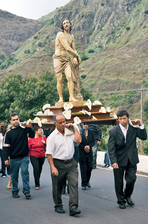 Easter Friday, La Gomera, Canary Islands. Effigy of Christ carried to church of Santo Domingo de Guzman in the Hermigua valley