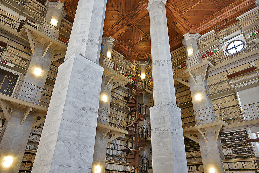 Palermo:sala Almeyda dell'archivio storico di Palermo.<br /> Palermo:the old Municipal Archive has a great hall designed by Damiano Almeyda