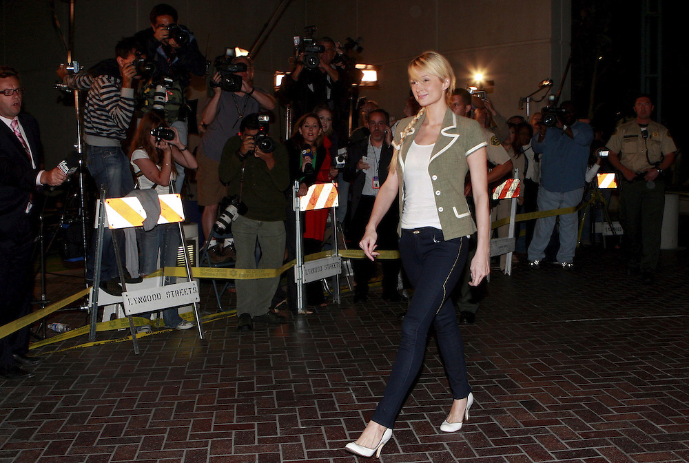 epa01047959 Celebrity socialite Paris Hilton leaves the Lynnwood jailhouse after serving 23 days of a 45-day sentence for violation probation for previous alcohol related charge in Los Angeles, California, 26 June 2007  EPA/ANDREW GOMBERT