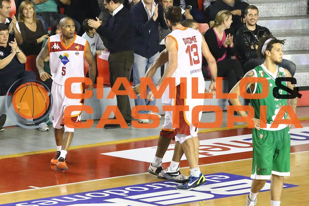 DESCRIZIONE : Roma Lega A 2012-13 Acea Roma Montepaschi Siena <br /> GIOCATORE : Jordan Taylor<br /> CATEGORIA : esultanza<br /> SQUADRA : Acea Roma<br /> EVENTO : Campionato Lega A 2012-2013 <br /> GARA : Acea Roma Montepaschi Siena <br /> DATA : 12/11/2012<br /> SPORT : Pallacanestro <br /> AUTORE : Agenzia Ciamillo-Castoria/M.Simoni<br /> Galleria : Lega Basket A 2012-2013  <br /> Fotonotizia :  Roma Lega A 2012-13 Acea Roma Montepaschi Siena <br /> Predefinita :