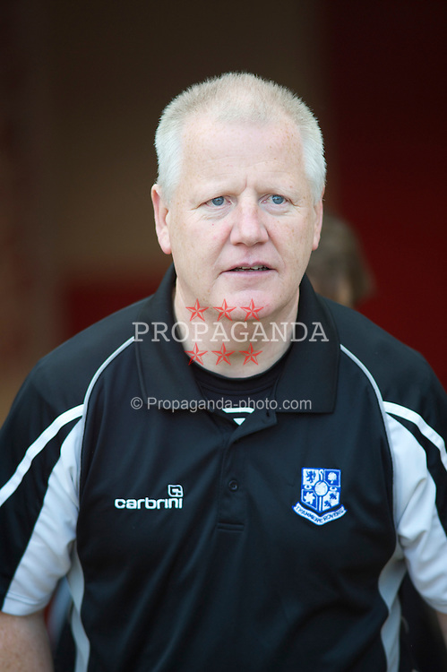 LONDON, ENGLAND - Saturday, April 30, 2011: Tranmere Rovers' Manager Les Parry before the Football League One match at Brisbane Road. (Photo by Gareth Davies/Propaganda)