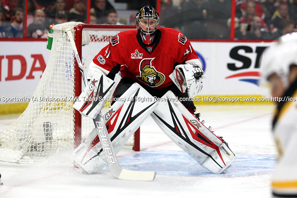 OTTAWA, ON - APRIL 12:  Ottawa Senators Goalie Craig Anderson (41) gets ready for a shot in the first period of game one during the first round of the NHL Playoffs  between the Boston Bruins and Ottawa Senators on April 12, 2017, at Canadian Tire Centre in Ottawa, On. (Photo by Jason Kopinski/Icon Sportswire)