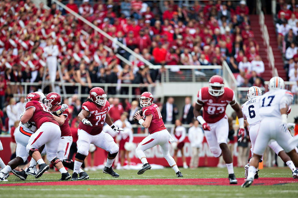 FAYETTEVILLE, AR - OCTOBER 24:  Brandon Allen #10 of the Arkansas Razorbacks drops back to pass during a game against the Auburn Tigers at Razorback Stadium on October 24, 2015 in Fayetteville, Arkansas.  The Razorbacks defeated the Tigers in 4 OT's 54-46.  (Photo by Wesley Hitt/Getty Images) *** Local Caption *** Brandon Allen