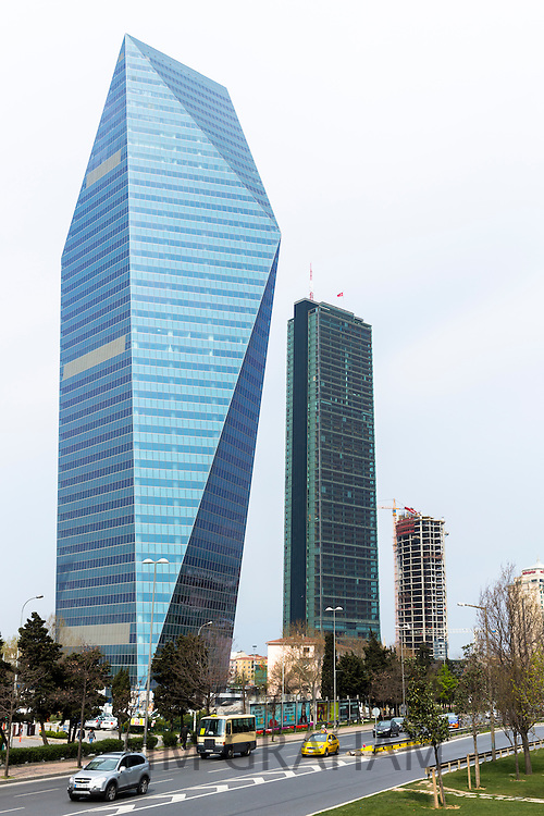 Levent, financial business district - skyscraper Soyak Tower Center, Istanbul Sapphire Tower shopping center Istanbul, Turkey